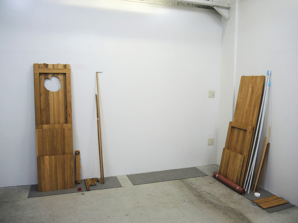 Daily changing absence and presence of the boards at Youkobo Art Space